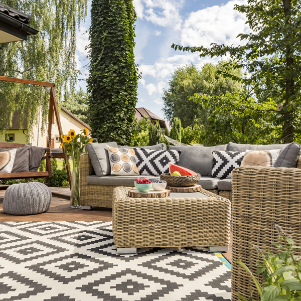 terrasse sur plots prix et pose habitatpresto. Black Bedroom Furniture Sets. Home Design Ideas