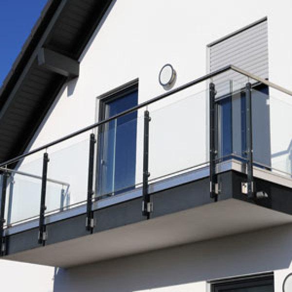 Construire balcon suspendu bon prix terrasse bois for Construire un balcon suspendu