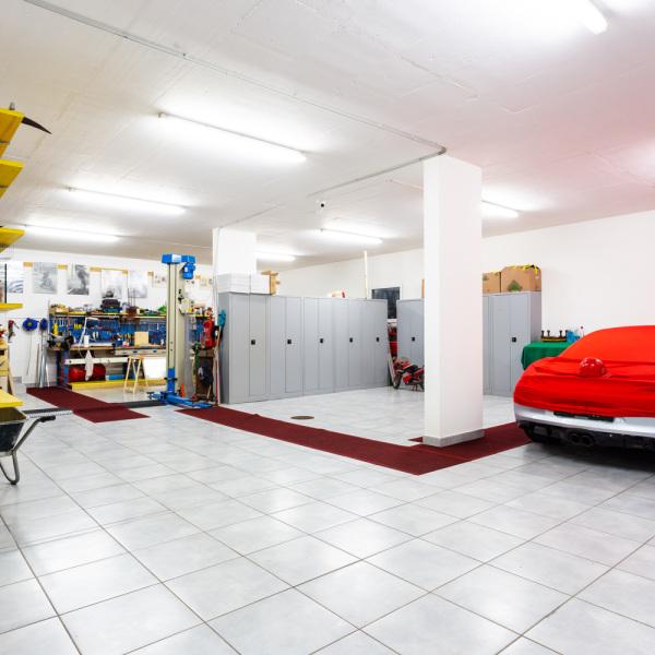 Carrelage de sol en verre tout savoir habitatpresto - Carrelage pour sol garage ...