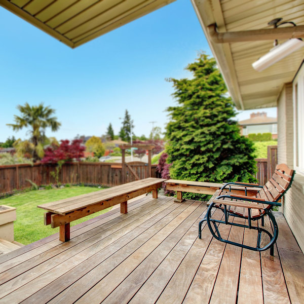 comment entretenir une terrasse bois ? 4 conseils infaillibles