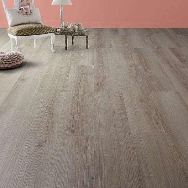 Carrelage clipsable imitation parquet vu sur Leroy Merlin