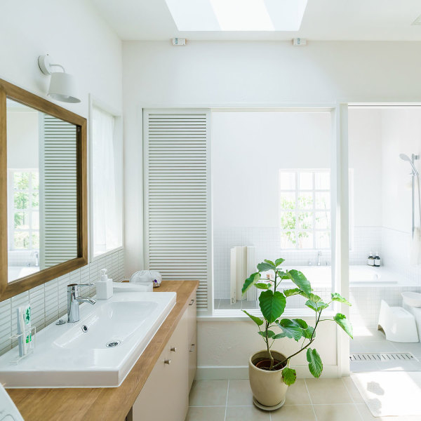 Comment r nover sa salle de bains sans casser le carrelage - Renover salle de bain sans casser carrelage ...