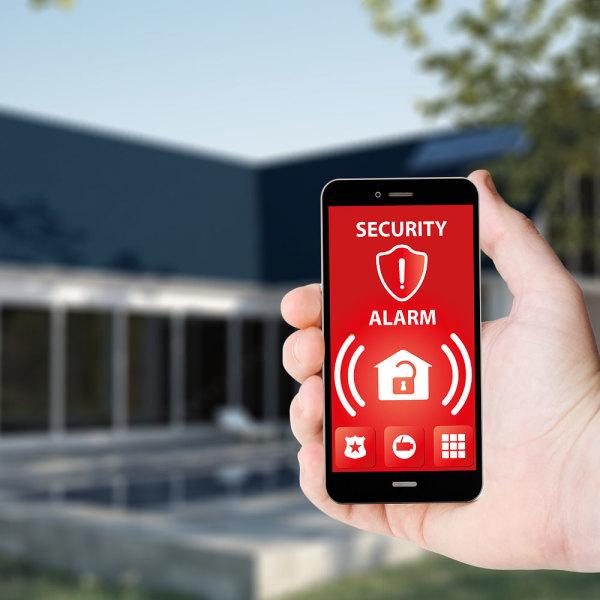 Télésurveillance & Vidéosurveillance à Solliès-Toucas ▷ Tarif & Devis : Alarme, Protection Intrusion & Cambriolage
