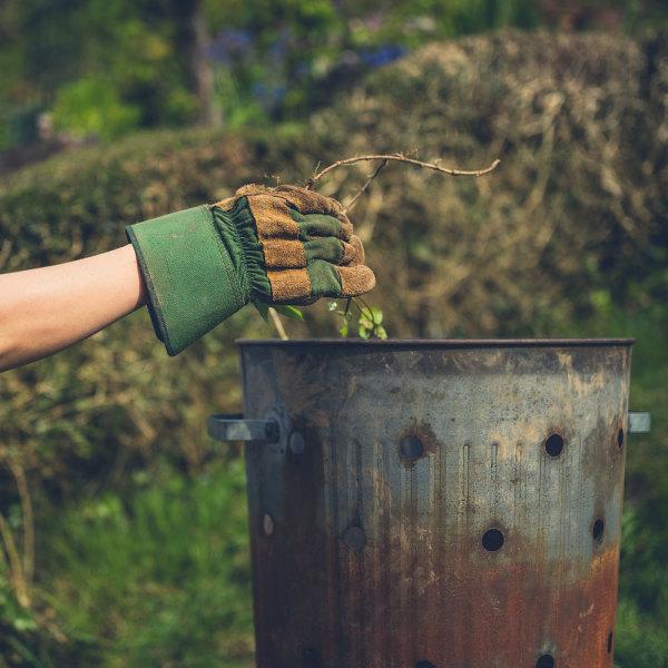 Quel Incinerateur De Jardin Choisir Pour Bruler Vos Dechets