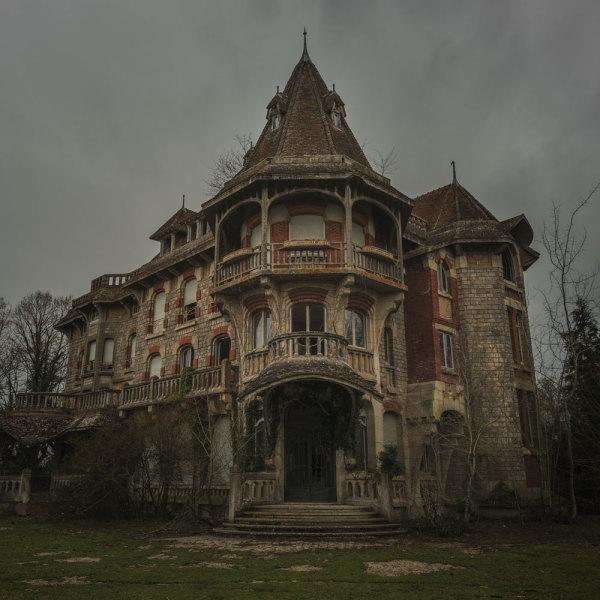 Halloween : top 8 des maisons hantées qui font le plus peur