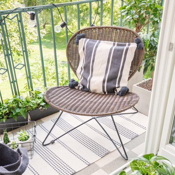 Comment agrandir visuellement un balcon ? 5 idées bluffantes