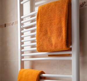 radiateurs quel chauffage choisir pour la salle de bain habitatpresto. Black Bedroom Furniture Sets. Home Design Ideas