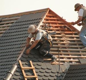 Rehausser et modifier une pente de toiture habitatpresto for Pente d une toiture