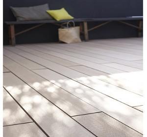 terrasse bois et carrelage. Black Bedroom Furniture Sets. Home Design Ideas