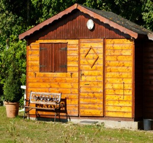 Quels mat riaux choisir pour un abri de jardin - Quel bois pour abri de jardin ...