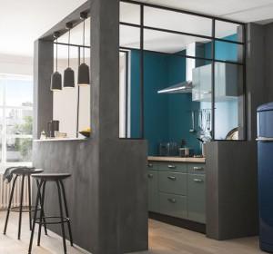 R nover avec un panneau mural composite habitatpresto - Photo de cuisine ouverte sur sejour ...