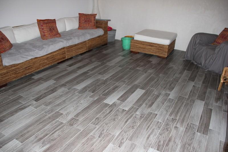 guiet peinture peintre st sauveur de givre en ma habitatpresto. Black Bedroom Furniture Sets. Home Design Ideas